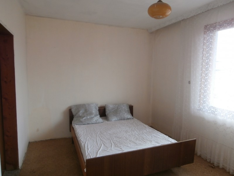 Четиристаен апартамент в град Пазарджик