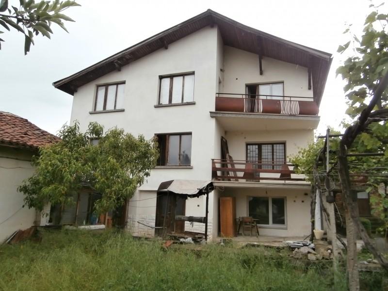 Къща село Лесичово