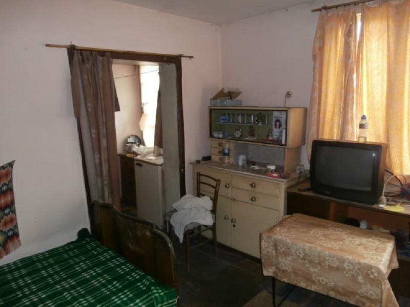 Къща в село Лозен