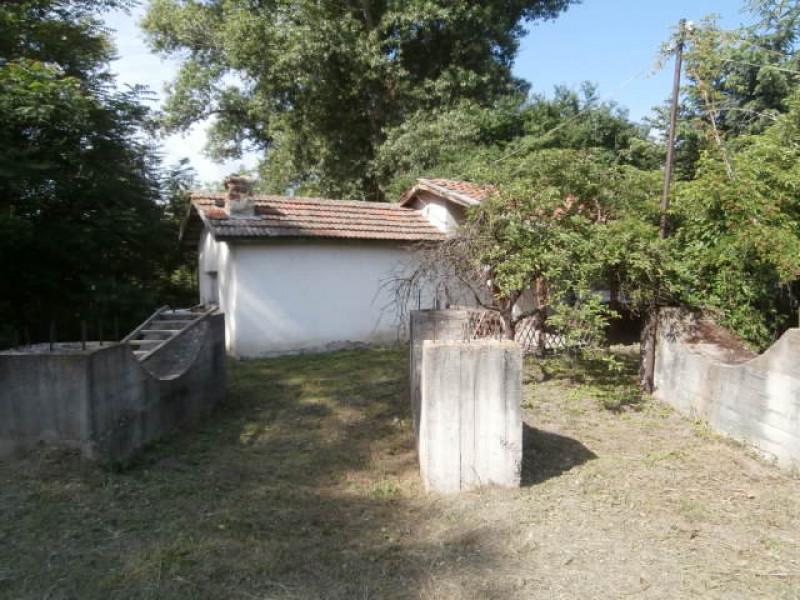 Стопанси двор в село Мокрище