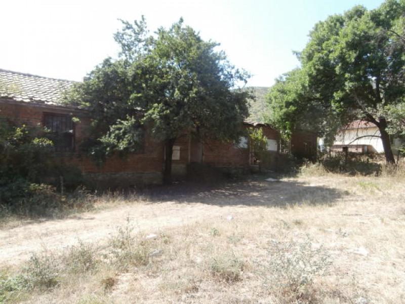Парцел в село Варвара