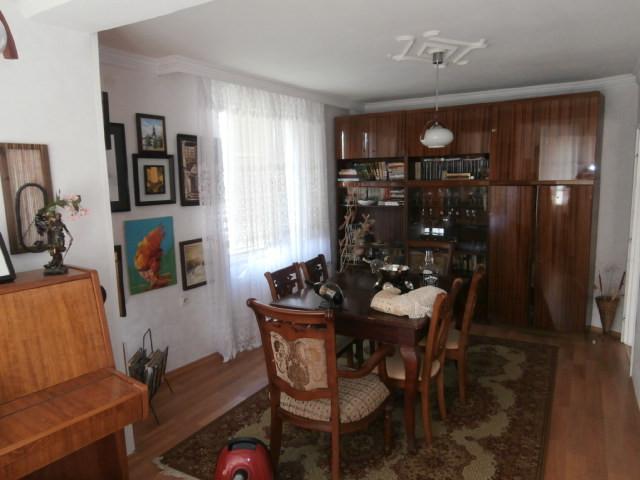 самостоятелна къща с. Мененкьово