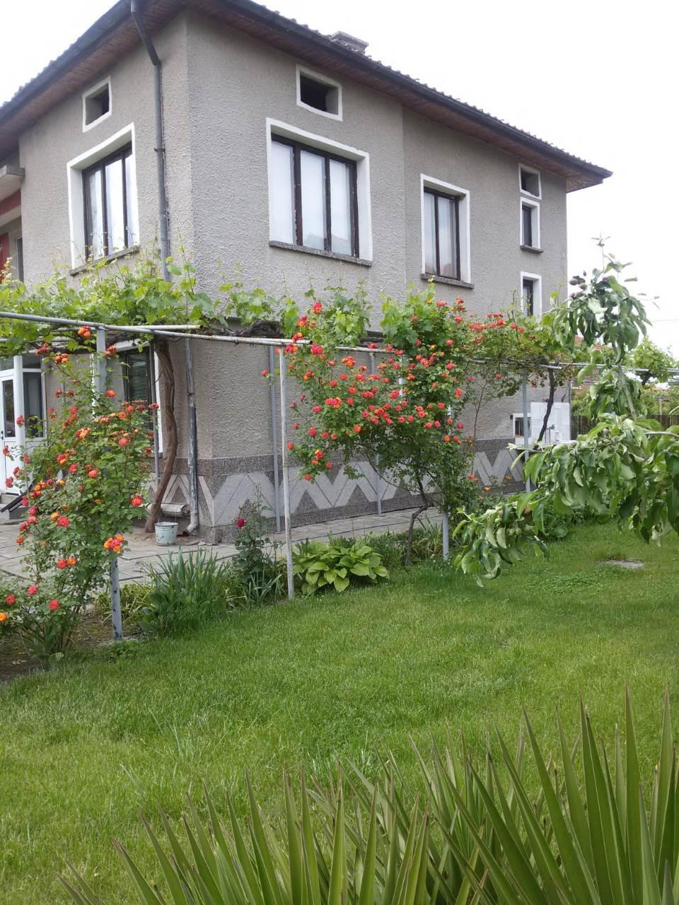 Самостоятелна къща село Звъничево