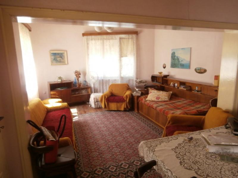самостоятелна къща в гр. Велинград