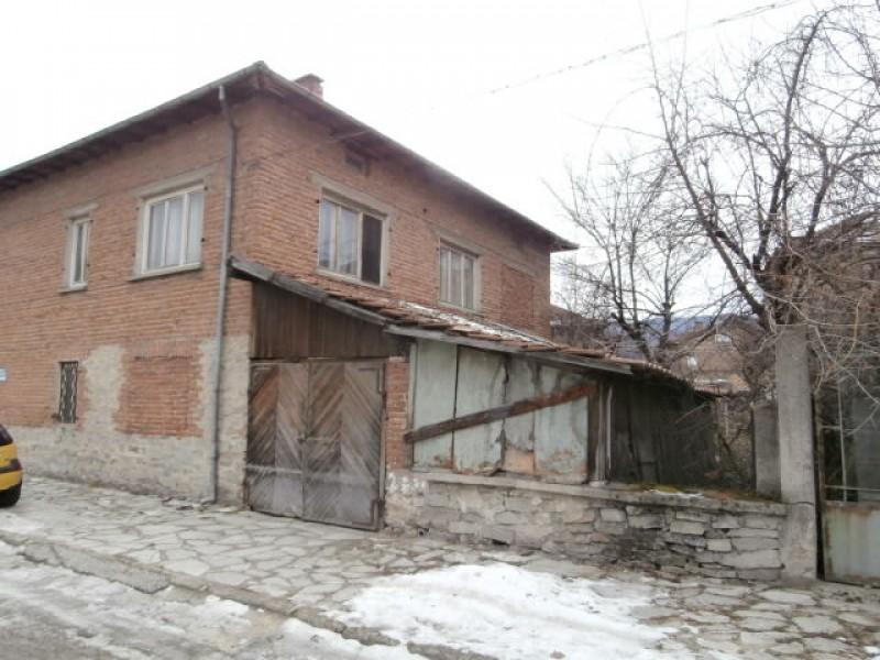 Самостоятелна къща в гр.Ракитово