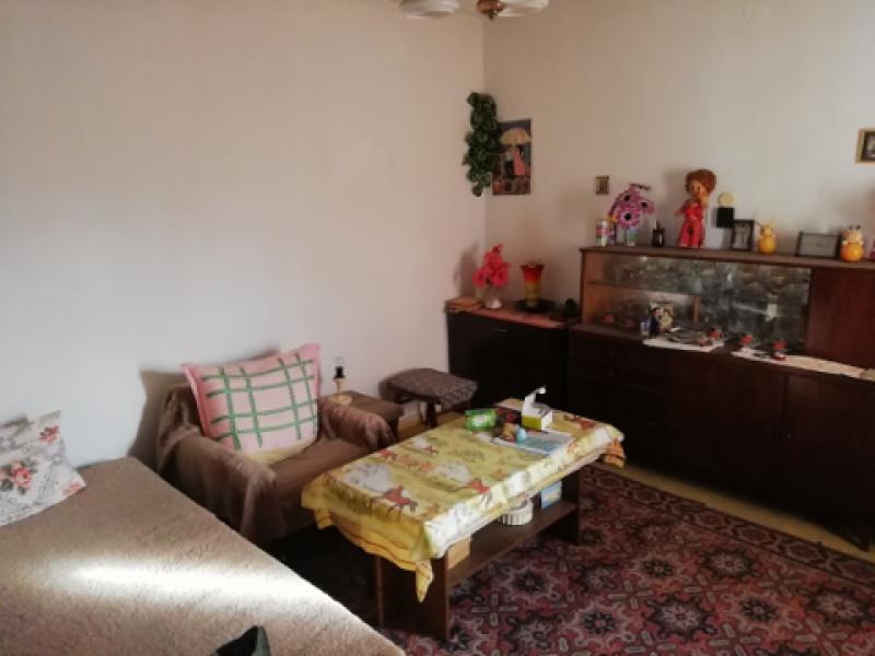 самостоятелна къща в Мало Конаре