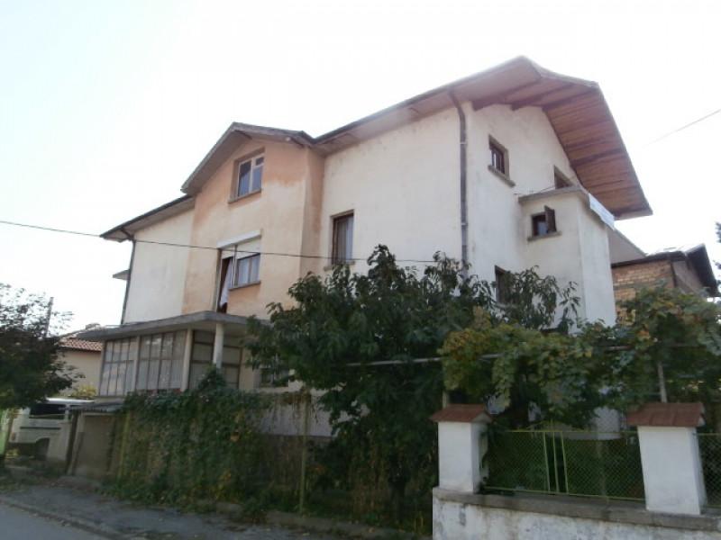Самостоятелна къща в Пазарджик