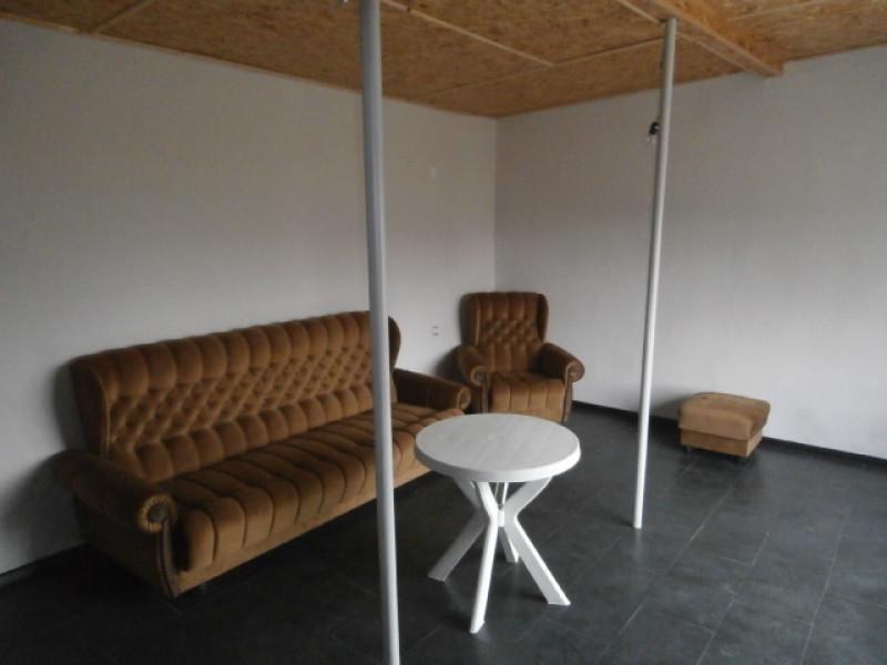 самостоятелна къща в с.Добровница