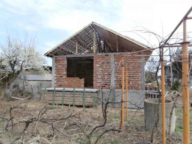 самостоятелна къща в сeло Ивайло
