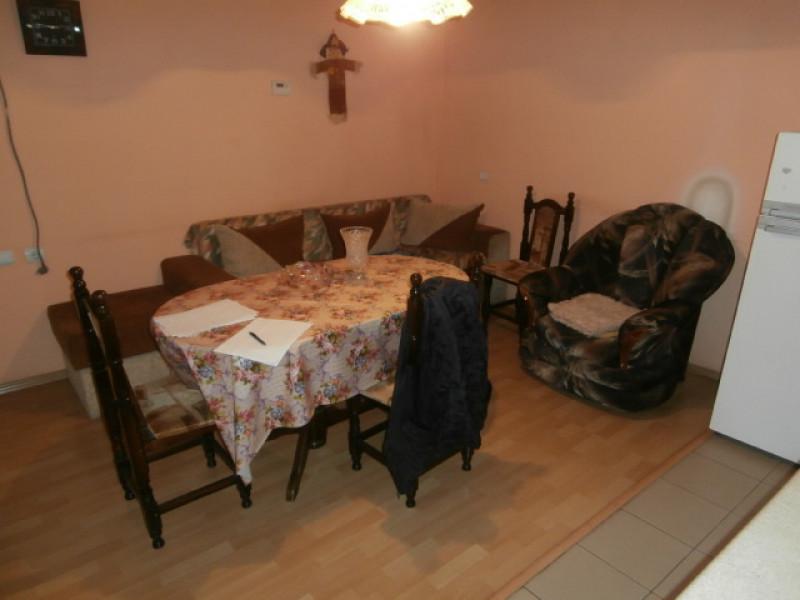 самостоятелна къща в село Пищигово