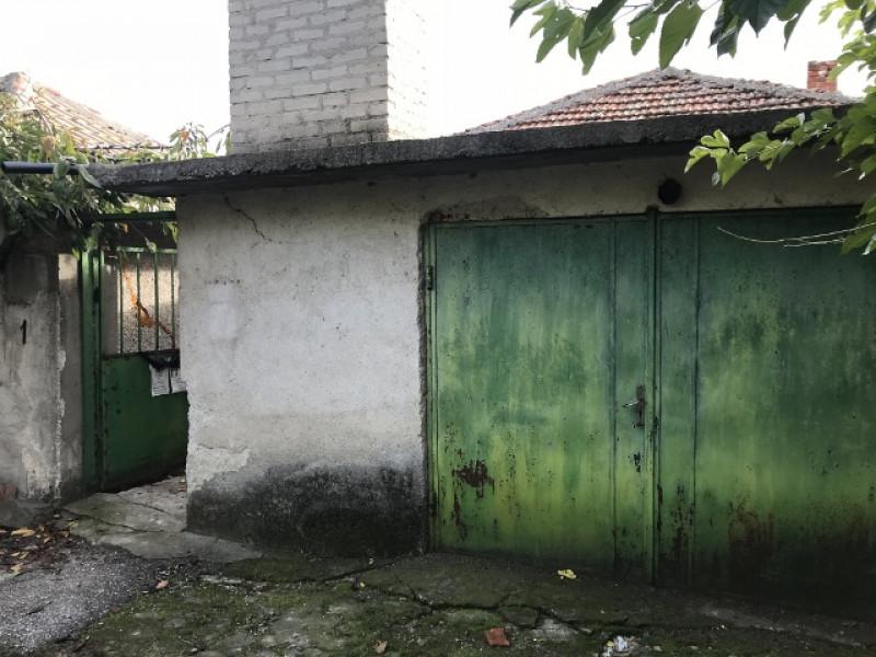 самостоятелна къща в с.Овчеполци