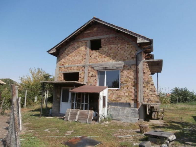 самостоятелна къща в с.Звъничево