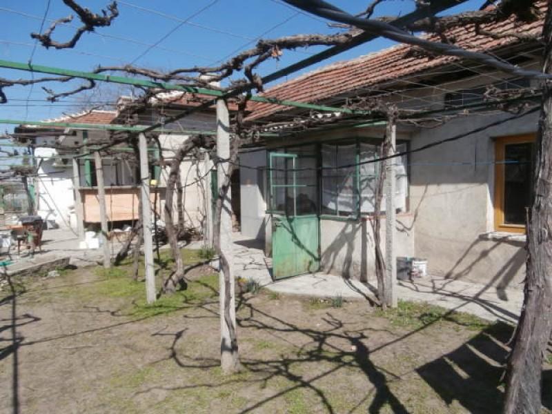 Самостоятелна къща в Звъничево