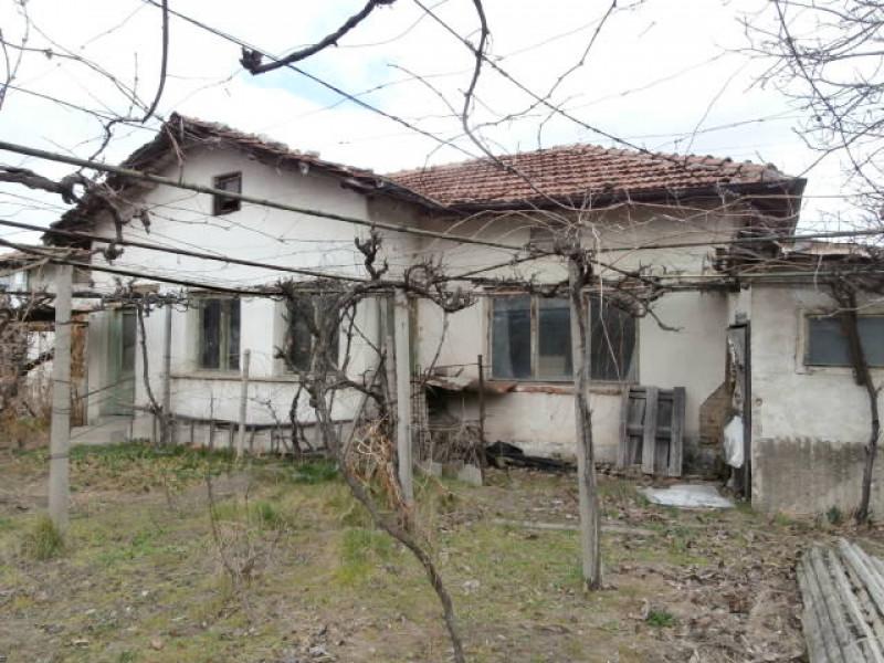 Самостоятелна къща в Главиница