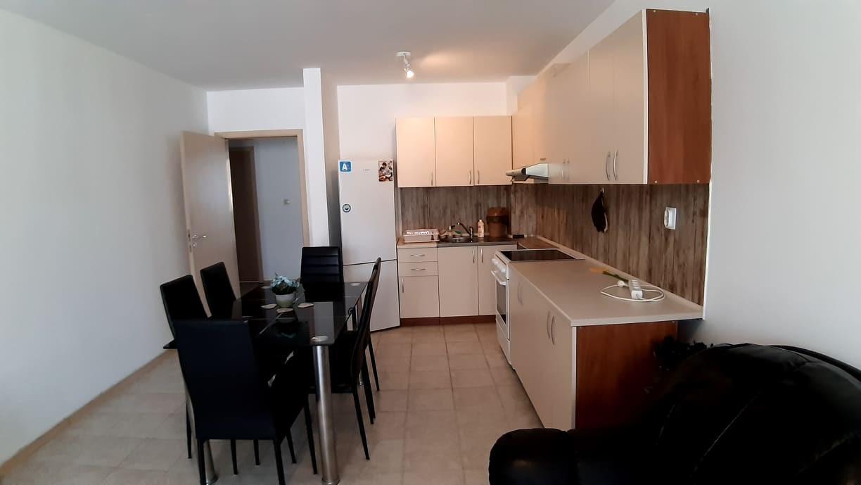 Тристаен апартамент ново строителство град  Пазарджик
