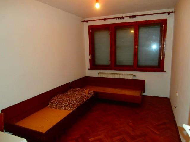 Тристаен тухлен апартамент с гараж град Пазарджик