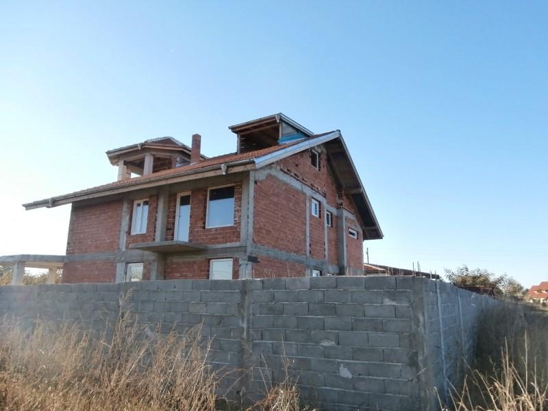 Къща в село Драгор